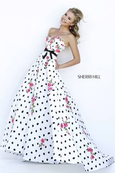 imagenes de vestidos de quinceañeras modernos - Buscar con Google