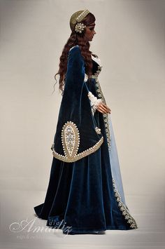 Pretty Dolls, Beautiful Dolls, Beautiful Dresses, Arabic Dress, Enchanted Doll, Fantasy Costumes, Medieval Dress, Historical Costume, Dream Dress