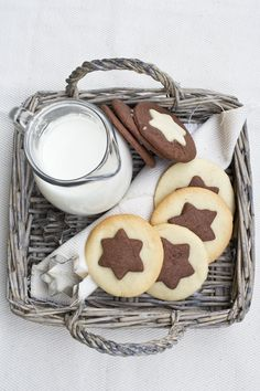 These star Chocolate + Vanilla Cookies are perfect for Santa. Biscotti Cookies, Galletas Cookies, Milk Cookies, Sweet Cookies, No Bake Cookies, Cookies Et Biscuits, Sweet Treats, Chocolate Chip Cookies, Vanilla Cookies