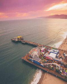 Sunset Vibes at Santa Monica Pier in California, United States  • #PageVibe – Quem conhece jamais esquece!
