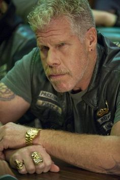 Clay (S.O.A. Ron Perlman)