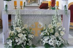 "Blog Kwiaciarni ""Pod Żółtą Różą"" » wianek komunijny Altar Flowers, Church Flower Arrangements, Floral Arrangements, Altar Decorations, First Communion, Kirchen, Holi, Floral Wreath, Wreaths"
