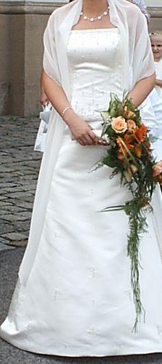 ♥ wunderschönes Brautkleid in Größe M ♥  Ansehen: http://www.brautboerse.de/brautkleid-verkaufen/wunderschoenes-brautkleid-in-groesse-m/   #Brautkleider #Hochzeit #Wedding