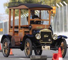 Ford T 1922 carrocería Depot Hack, mecánica totalmente original, funcionando a la perfección, accesorios USA. Premiado en varios eventos, expuesto en #Autoclásica 2011. http://www.arcar.org/ford-t-1922-72061