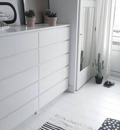 Trendy walk in closet ikea malm drawers Ideas Ikea Malm Drawers, Bed Drawers, 8 Drawer Dresser, Home Bedroom, Bedroom Decor, Ikea Bedroom Furniture, Bedrooms, Walk In Closet Ikea, Bedroom Layouts