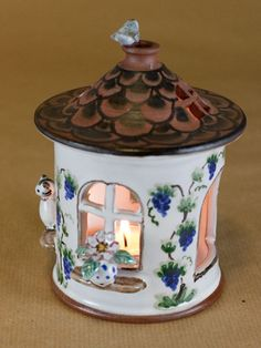 töpfern | Windlicht Haus mit Figuren aus Keramik(bunt)