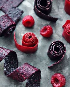 Recipe: Fruit leather: Healthy snack made from 2 ingredients BRIGITTE.de Recipe: Fruit leather: Healthy snack made from 2 ingredients BRIGITTE. Raw Food Recipes, Sweet Recipes, Snack Recipes, Dessert Recipes, Paleo Dessert, Vegan Sweets, Healthy Sweets, Healthy Snacks, Diy Snacks