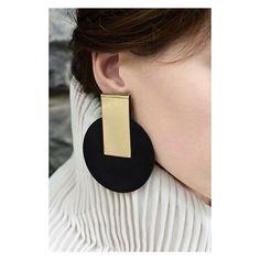 #eloshi #earrings #at #taqtaqishvili10 #tbilisi #madeingeoegia #fashionlovers #instalike #instatraveling #instafashionista