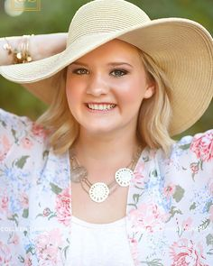#pinkweek #valentines inspiration week - Maddie looking beautiful in a hat and floral top. Hats are the perfect accessory - you can add one and completely change your look!  #colleensandersphotography #cspseniormodels