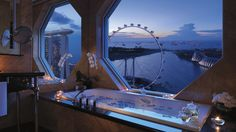 The Ritz-Carlton, Millenia Singapore in Marina Bay is a luxury hotel offering views from each guest room, kid-friendly activities and a La Mer spa. Hotels And Resorts, Best Hotels, Top Hotels, Marina Bay, Centre Commercial, Leading Hotels, Mandarin Oriental, Hotel Suites, Best Cities