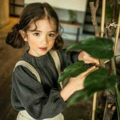 Find images and videos about girl, cute and photography on We Heart It - the app to get lost in what you love. Asian Kids, Asian Babies, Children Photography, Portrait Photography, Lifestyle Photography, Cute Kids, Cute Babies, Pretty People, Beautiful People