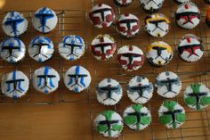 Learning by Trying: Clone Trooper cupcakes
