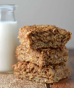 Mom and kid approved apple cinnamon breakfast bars. Gluten and dairy free options, Deliciously moist with no oil or butter. going to sub out brown sugar for maple or coconut sugar Healthy Bars, Healthy Treats, Healthy Baking, Healthy Life, Dairy Free Options, Dairy Free Recipes, Sin Gluten, Muffins, Biscuits