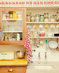LOVE this kitchen..... organized clutter!