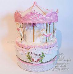 Hjemmebakt på Auli (@hjemmebaktauli) • Kaken laget for Eivor sin barnedåp ❣️ Alt er spiselig! Sugar Art, Cake, Instagram, Personalized Cakes, Lily, Kuchen, Torte, Cookies, Cheeseburger Paradise Pie