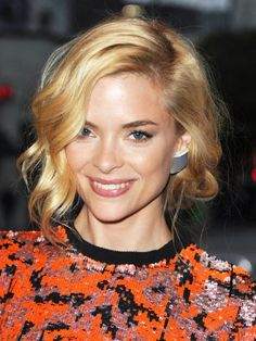 Jaime King Wavy Bob Hairstyle With Curls