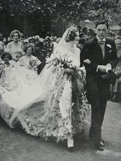 Wedding of Maureen Constance Guinness and Basil Sheridan Hamilton-Temple-Blackwood, 4th Marquess of Dufferin, 1930. http://www.ebay.co.uk/itm/Wedding-Of-Maureen-Constance-Guinness-Earl-Of-Dufferin-And-Ava-1930-Page-Photo-/151693099263?pt=LH_DefaultDomain_3&hash=item23519d00ff