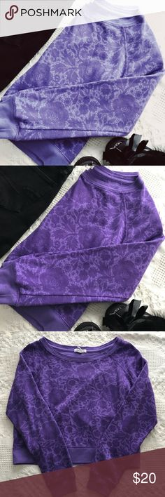 NWOT Purple Aeropostale Long Sleeve Boxy Sweater NWOT Aeropostale Boxy Purple Sweater with a floral lace pattern! Super cute for the fall/winter months and its wide neck is perfect for pairing it with bralettes! Aeropostale Tops