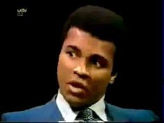 If Muhammad Ali weren't a boxer, he would have made one helluva stand up comedian. Here is Ali putting on a set that would put half the comedians today to shame Muhammad Ali, Hard Photo, Why Jesus, Float Like A Butterfly, Good People, People News, Hometown Heroes, Malcolm X, African Diaspora