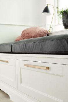 Uchwyt meblowy STATION złoty - idealny do kożdego wnętrza Knobs And Handles, En Stock, Kitchen Handles, Drawer Pulls, Industrial, Storage, Furniture, Design, Home Decor