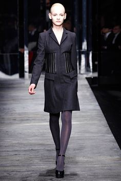 Versus Versace Fall 2011 Ready-to-Wear Fashion Show - Ginta Lapina