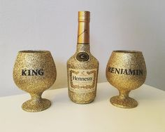 Personalised hennessy and brandy glasses perfect present sweettreesbirmingham gift champagne personalised gold glitter hennessy Alcohol Bottle Decorations, Liquor Bottle Crafts, Bottle Centerpieces, Alcohol Bottles, Glitter Wine Glasses, Diy Wine Glasses, Glitter Gifts, Gold Glitter, Bedazzled Bottle