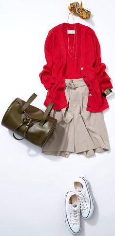 秋の王道配色「赤×渋色小物」! ルミネ北千住のショップから秋のお出かけシーンに合わせたスタイリングと小物選び。ベーシックなアイテムを使ったこなれカジュアルが得意の人気スタイリスト土居悦子さんがリアルコーデをご紹介します。