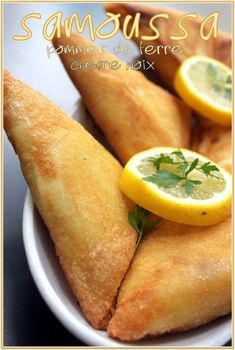 Samoussa pommes de terre fromage de chèvre noix - The Best Anti İnflammatory Recipes Cheap Vegetarian Meals, High Protein Vegetarian Recipes, Low Carb Vegetarian Recipes, Healthy Recipes, Protein Snacks, Healthy Food, Tapas, Empanadas, Quesadillas