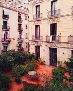 Barcelona Барселона Испания (@nastasyabrightside) в Instagram: «A hidden gem of Barcelona Ready to explore it with me? Итак,барабанная дробь, В этом году…»