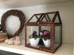 DIY: Φτιάξτε Terrariums με κορνίζες τους ενός ευρώ! Easy Diy Crafts, Diy Craft Projects, Craft Tutorials, Dollar Store Crafts, Dollar Stores, Popsugar, Diy Garden Decor, Diy Home Decor, Garden Art