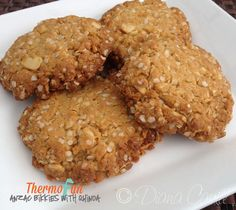 It is gluten free with quinoa flakes (so that must make them healthy right. I love Anzac Biscuits. I came across this recipe in the Super Food Ideas Magazine that was screaming out at me to be converted to be made in the Thermomix Gluten Free Anzac Biscuits, Paleo Biscuits, Sweet Recipes, Dog Food Recipes, Cooking Recipes, Paleo Food, Delicious Chocolate, Chocolate Recipes, Quinoa Dishes