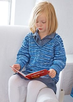 Knit and purl stitches and a fast knit: Children´s sweater with a textured pattern worked in Catania Color Beginner Knitting Patterns, Christmas Knitting Patterns, Knitting For Beginners, Easy Knitting, Catania, Raglan Pullover, How To Start Knitting, Boys Sweaters, Knitting Accessories
