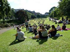 Princess St gardens in the sun! Dolores Park, Gardens, Sun, Princess, Places, Travel, Voyage, Lugares, Trips