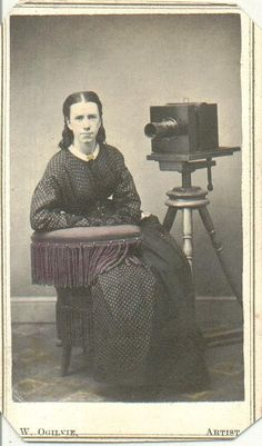 vintage everyday: Pioneering Female Photographers – Interesting Portraits of… Antique Cameras, Old Cameras, Vintage Cameras, Vintage Photographs, Vintage Images, Vintage Posters, Old Pictures, Old Photos, Vintage Travel Themes