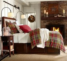 Cozy and Warm, this classic plaid Duvet is Rustic Christmas at it's finest. Read More at Vintageandkind.com