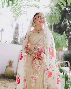 Wedding Looks, Bridal Looks, Bridal Style, Bridal Dupatta, Pakistani Bridal Wear, Summer Wedding Outfits, Bridal Outfits, Indian Wedding Planning, Indian Weddings
