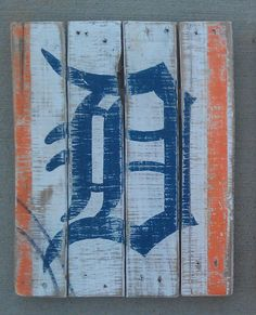 Old English D Detroit Tigers Vintagelooking Pallet by gardencandy