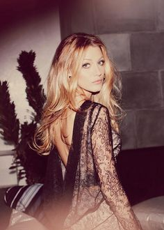 LACE LOVER!♥. French Frosting: Blake Lively in Lace