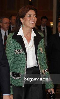 Caroline of Monaco - Page 2 Princesa Alexandra, Monaco Princess, Ernst August, Beautiful People, Beautiful Women, Princesa Carolina, Monaco Royal Family, Queen Dress, Chanel