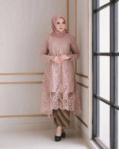 Model Dress brukat untuk lebaran 2020 – ND Kebaya Modern Hijab, Model Kebaya Modern, Kebaya Hijab, Kebaya Dress, Modern Hijab Fashion, Batik Fashion, Muslim Fashion, Gaun Dress, Dress Brukat
