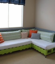 I LOVE this project!  Create your own bed/lounger!