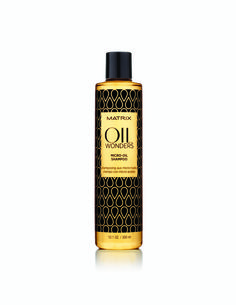 Matrix lightweight Oil Wonders Micro-Oil Shampoo infused with Moroccan argan oil. This clarifying shampoo features micro-sized particles of hair oil, which nourish each strand with ultimate softness. Hydrate Hair, Moisturize Hair, Matrix Oil Wonders, Matrix Biolage, Winter Hairstyles, Wet Hair, Beauty Shop, Beauty Bar, Beauty Industry