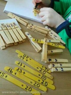 Great math activity for centers or early finishers Math Stations, Math Centers, Primary Maths, Math Addition, Math Numbers, 1st Grade Math, Montessori Activities, Math Facts, Educational Crafts
