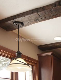 42 Ideas For Barn Wood Ceiling Beams Interior Design Wooden Barn, Old Barn Wood, Rustic Wood, Wood Wall Decor, Ceiling Decor, Ceiling Lamp, Unfinished Hardwood Flooring, Faux Wood Beams, Faux Ceiling Beams