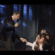 Photo: @backstreetboys @NickCarter serenades #TheTalk hosts & @MrsSOsbourne blows a sweet kiss!