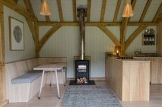 This quiet tiny cabin can be found among the woods of Devon in England. The cabin has been created by designer-maker Rupert McKelvie, who established a Small Space Living, Small Spaces, Living Spaces, Tiny Cabins, Cabins And Cottages, Eco Cabin, Off Grid Cabin, Off Grid House, Luxury Cabin