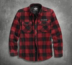The Plaid Fleece Shirt Jacket is a crucial piece for staying warm without bulking up this spring. Cut from soft fleece, this lightweight layer works great over a tee or henley when there's a chill in the air. And the bold buffalo plaid is a fresh alternative to dark, solid colors from past seasons.