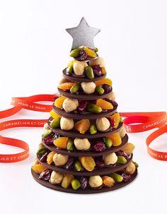 Noël 2013 - Sapin de Noël - Henri Le Roux - Chocolat noir à 62%, de fruits secs, abricots, noisettes, cranberries et pistaches. 160 g, 25 €.