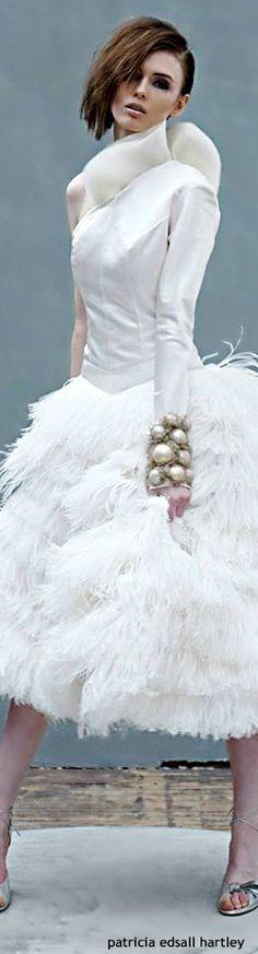 . Mode Glamour, Feather Fashion, White Elegance, Amazing Weddings, Shades Of White, Holiday Fashion, Holiday Style, White Fashion, The Dress