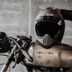 Simpon by . by elegant_apparatus Cool Motorcycle Helmets, Tracker Motorcycle, Chopper Motorcycle, Cafe Racer Motorcycle, Cool Motorcycles, Cafe Racer Helmet, Cafe Racer Girl, Cafe Racer Bikes, Simpson Helmets